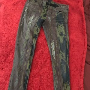 Citizens of Humanity lowrise skinny jean. Size 29.